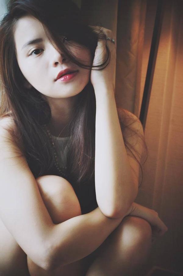 Thu Trang năm nay vừa tròn 23 tuổi, ngày càng xinh đẹp rực rỡ không kém người chị nổi tiếng.