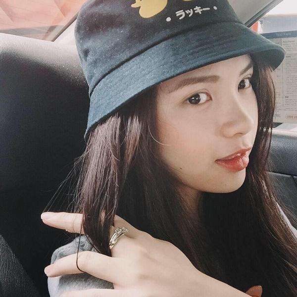 Vừa xinh xắn vừa tài giỏi nên nhiều người yêu mến Thu Trang không kém chị gái.