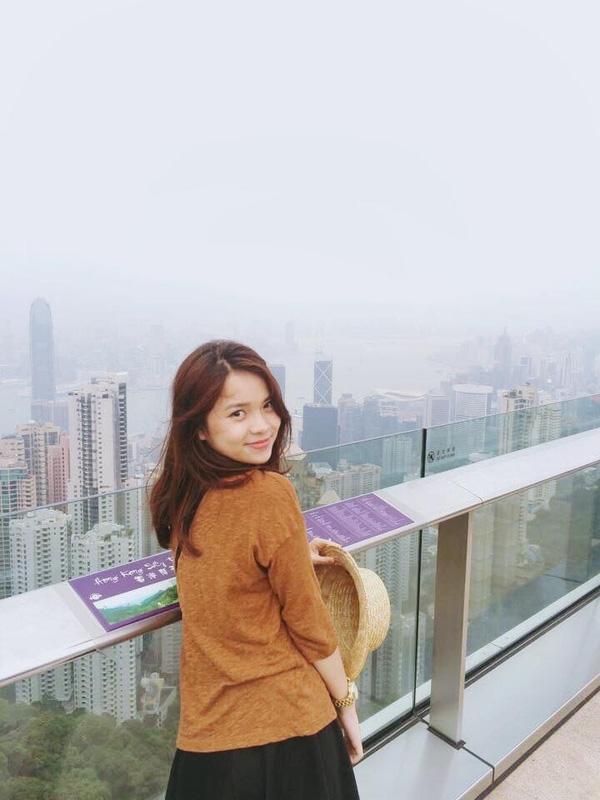 Thu Trang - em gái tài giỏi, dễ thương như búp bê của nữ MC thời tiết Đan Lê