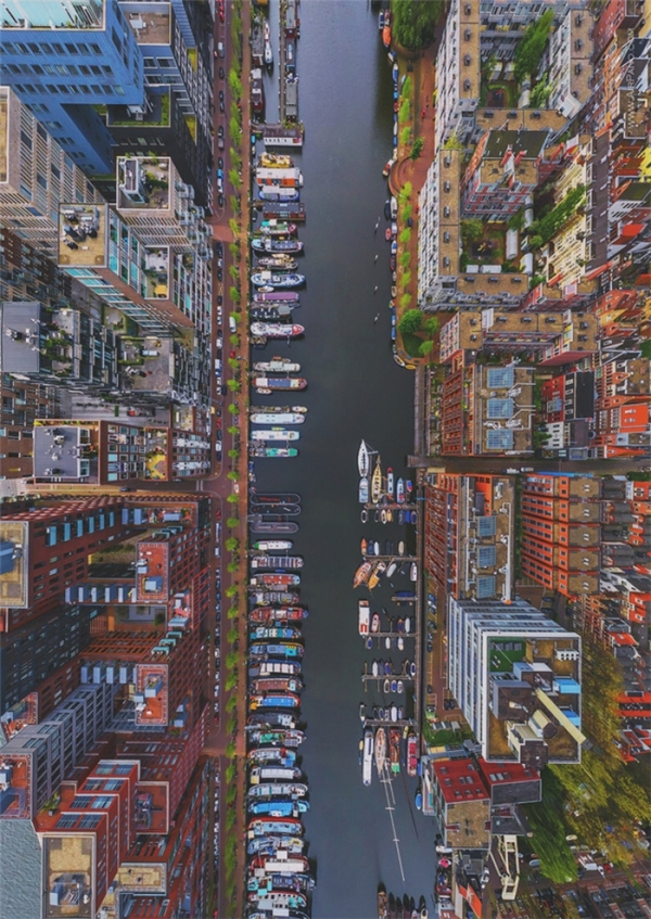 Những con thuyền tại quận Westerdok, Amsterdam.