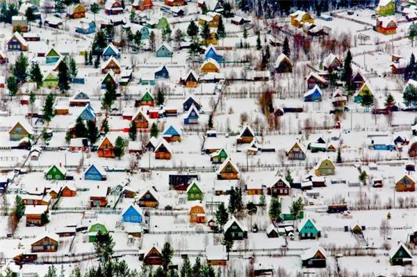 Những ngôi nhà đầy sắc màu tại Arkhangelsk, Nga.