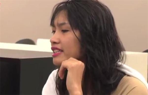 Trước thái độ cư xử của Nguyễn Oanh ở ngôi nhà chung, ngay trong tập 5 Vietnam's next top model 2014, Xuân Lan đã thẳng thừng thể hiện thái độ không bằng lòng và lên tiếng dạy dỗ. - Tin sao Viet - Tin tuc sao Viet - Scandal sao Viet - Tin tuc cua Sao - Tin cua Sao