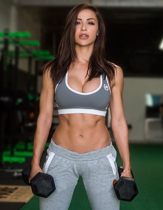 """Chân dung """"nữ hoàng phòng gym"""" Ana Cheri. (Ảnh: Internet)"""
