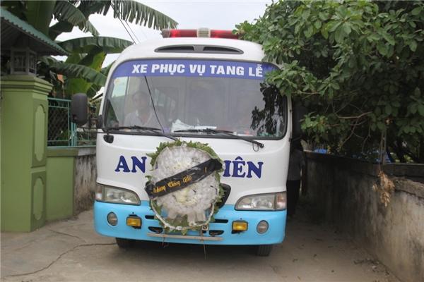 Chiều 3/7, chiếc xetang đã đưa thi thể em Phan Thị Hải về quê nhà ở xóm 9, xã Hội Sơn (Anh Sơn, Nghệ An). Ảnh: Internet