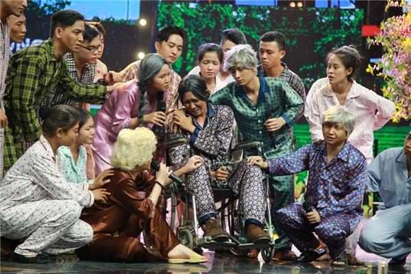 Trong phần dự thi cuối cùng,đội Hương Lúalấy cảm hứng về cuộc đời người nghệ sĩ, các thành viên trong độiđã cùngkể về câu chuyện của những người nghệ sĩ già tiếc nuối về thời hoàng kim.