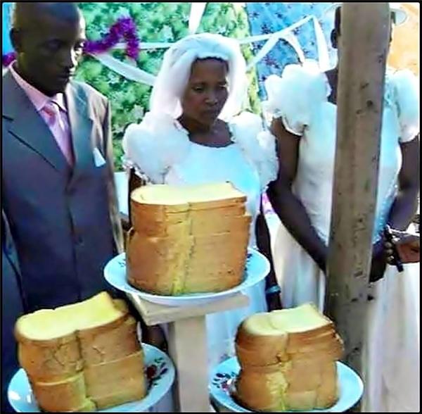 Cô dâu chú rể Ấn Độ và chiếc bánh cưới vô cùng đặc biệt trong ngày vui của họ.