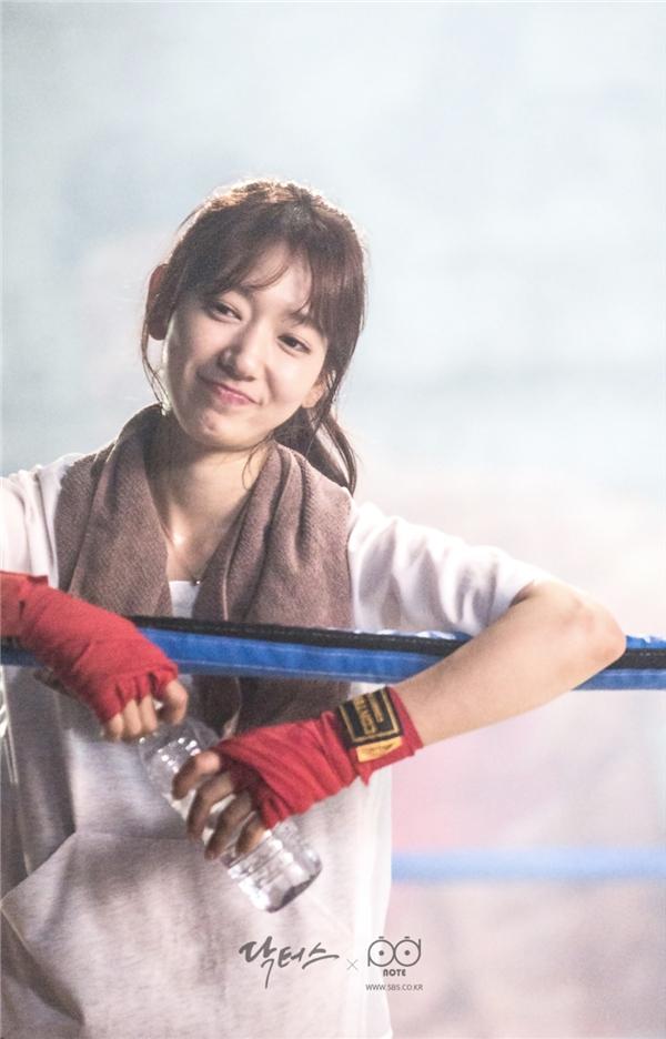 """Nữ hoàng hành động"""" của ảnh Hàn, không ai khác ngoài Park Shin Hye"""