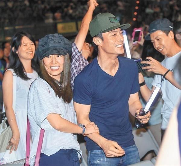 Cả hai cùng nhau đi xem ca nhạc ở Đài Bắc.
