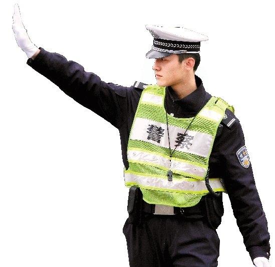 Anh gia nhập đội SWAT Hàng Châu,hỗ trợ chỉ đạo giao thông và giữ trật tự các khu nghỉ dưỡng.