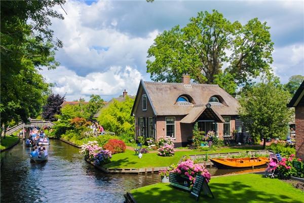 """Du lịch thế giới - Trải nghiệm kỳ thú với """"ngôi làng không có lối đi"""" ở Hà Lan"""