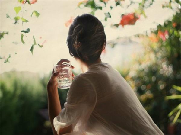 Mỗi ngày nhớ uống đầy đủ nước.