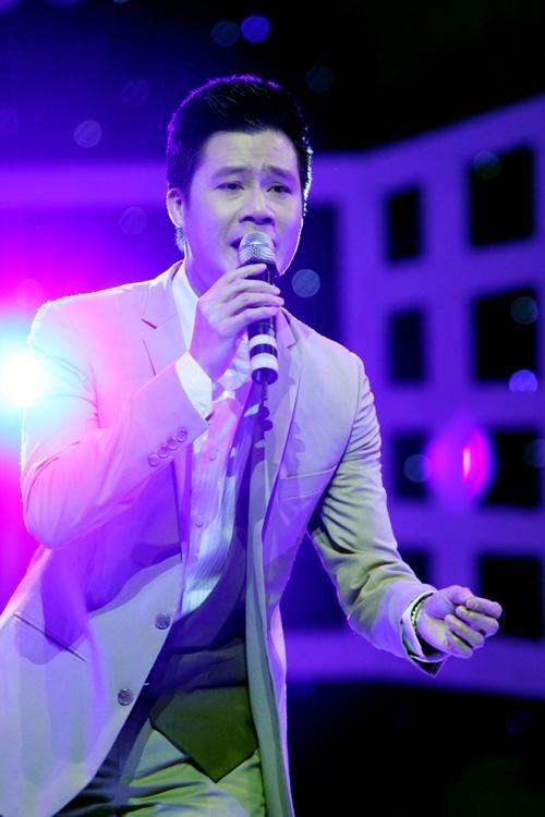 Quang Dũng - một người bạn rất thân với Việt Anh cũng góp mặt trong đêm nhạc này. - Tin sao Viet - Tin tuc sao Viet - Scandal sao Viet - Tin tuc cua Sao - Tin cua Sao
