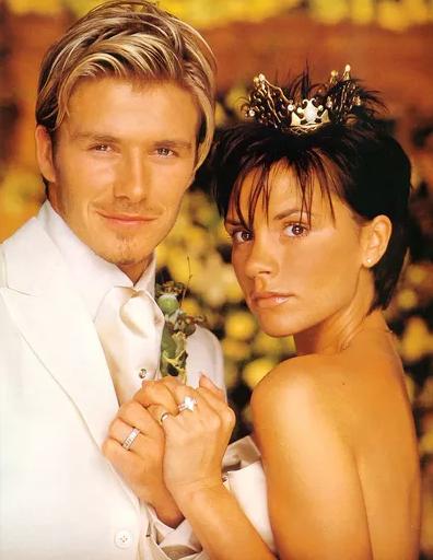 Vợ chồng Beckham: 17 năm với bao sóng gió lẫn ngọt ngào, ngày kỉ niệm vẫn là Anh yêu em!