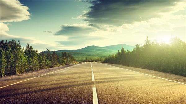 10. Trên thế giới này, con đường nào là dài nhất?(Ảnh Internet)