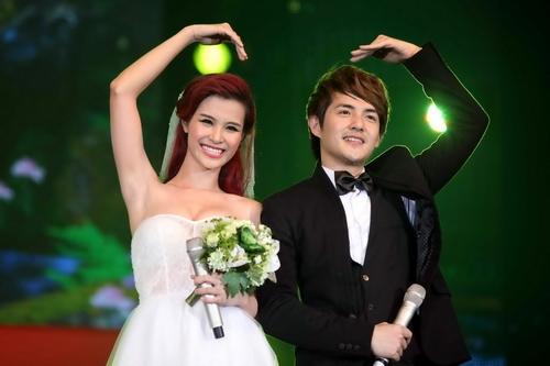 Thế nhưng mới đây, Đông Nhi đã bất ngờ hé lộ những ước muốn của cô về việc tổ chứcđám cưới trong tương lai. - Tin sao Viet - Tin tuc sao Viet - Scandal sao Viet - Tin tuc cua Sao - Tin cua Sao