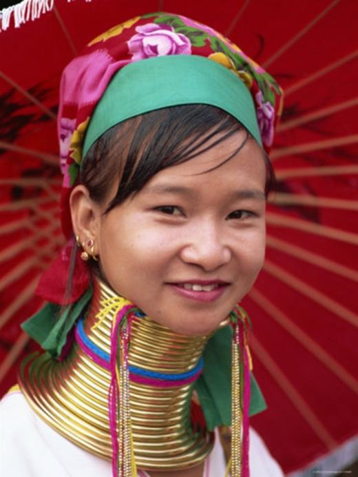 Tộc người cổ dài sống ở phía bắc Thái Lan. (Ảnh: Internet)