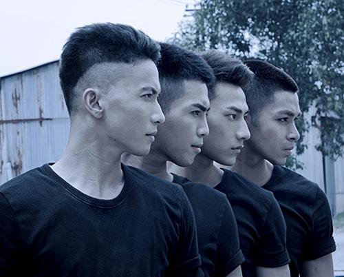 4 chàng trai đãdồn sức cho MV này rất nhiều và đây cũnglà MVđánh dấusự trưởng thành trong phong cách âm nhạc lẫn việcxây dựng hìnhtượng của nhóm. - Tin sao Viet - Tin tuc sao Viet - Scandal sao Viet - Tin tuc cua Sao - Tin cua Sao