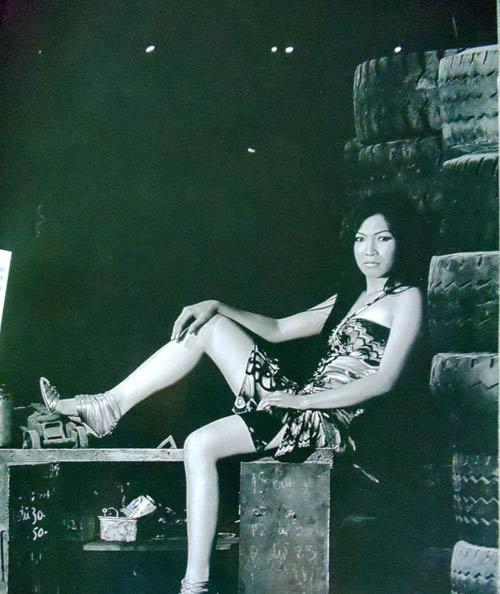 """Tuy nhiên vẫn có lúc người đẹp mắc lỗi trang phục hoặc đơn giản là bị nhiếp ảnh gia """"hại"""" như tronghình. - Tin sao Viet - Tin tuc sao Viet - Scandal sao Viet - Tin tuc cua Sao - Tin cua Sao"""