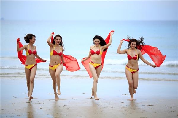 Thí sinh The Face Việt Nam tỏa sáng trong trang phục bikini