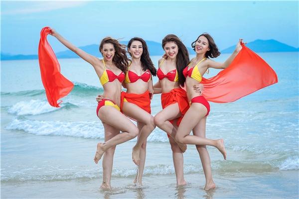 4 thành viên đội Hồ Ngọc Hà.