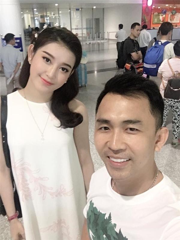 Tony Nguyễn là một trong những chuyên gia trang điểm hàng đầu tại Hà Nội, anh là sự lựa chọn hàng đầu của nhiều Hoa hậu, Á hậu như Đặng Thu Thảo, Ngọc Oanh, Mai Phương Thúy, Huyền My...