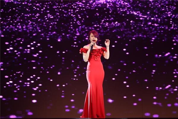 Mỹ Tâm dành tặng những khán giả có mặt tại sự kiện ca khúc Như một giấc mơ. - Tin sao Viet - Tin tuc sao Viet - Scandal sao Viet - Tin tuc cua Sao - Tin cua Sao