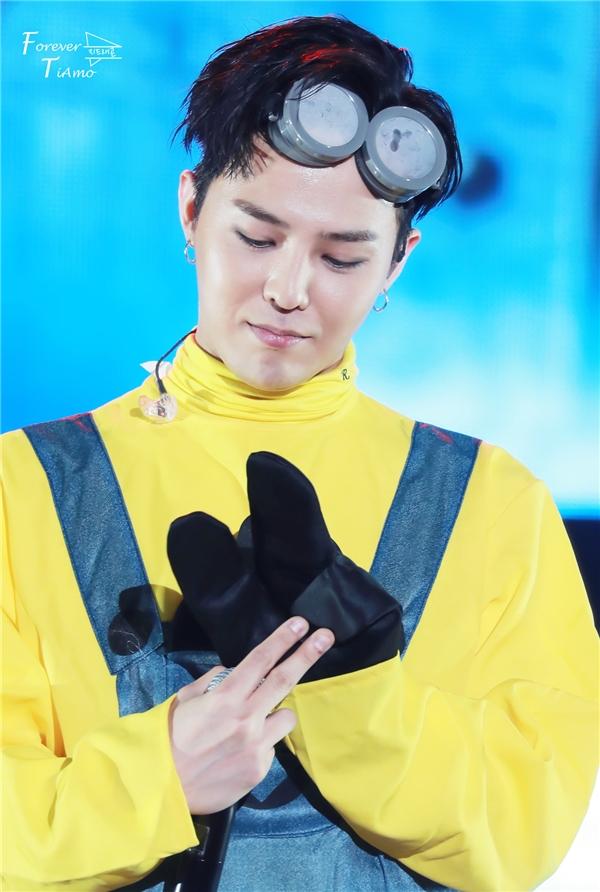 Quên hình tượng lạnh lùng đi! Đây mới chính là G-Dragon của VIP