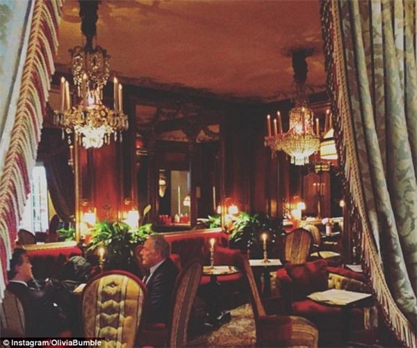 """Nếu bạn đủ """"may mắn"""" để ở tại những khách sạn sang trọng cỡ này thì bạn sẽ có được rất nhiều người theo dõi trên trang cá nhân. (Ảnh: Olivia Bumble)"""
