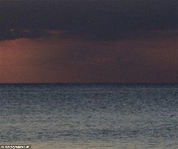 Còn nếu không thì bạn sẽ chụp được một tấm ảnh trông như đang kẹt giữa bão tố mây mù thế này thôi. (Ảnh: Instagram)