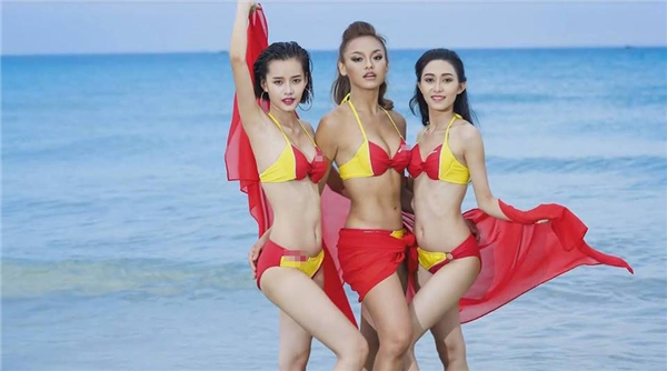 Trong tập 4 sắp phát sóng, 11 cô gái sẽ có chuyến đi Nha Trang để thực hiện thử thách. Phần thi nhóm quyết định ai ở lại, ai ra về sẽ là buổi chụp ảnh cho một thương hiệu hàng không danh tiếng trong nước. Các thí sinh đều được diện bikini với 2 tông màu vàng, đỏ nổi bật làm chủ đạo.