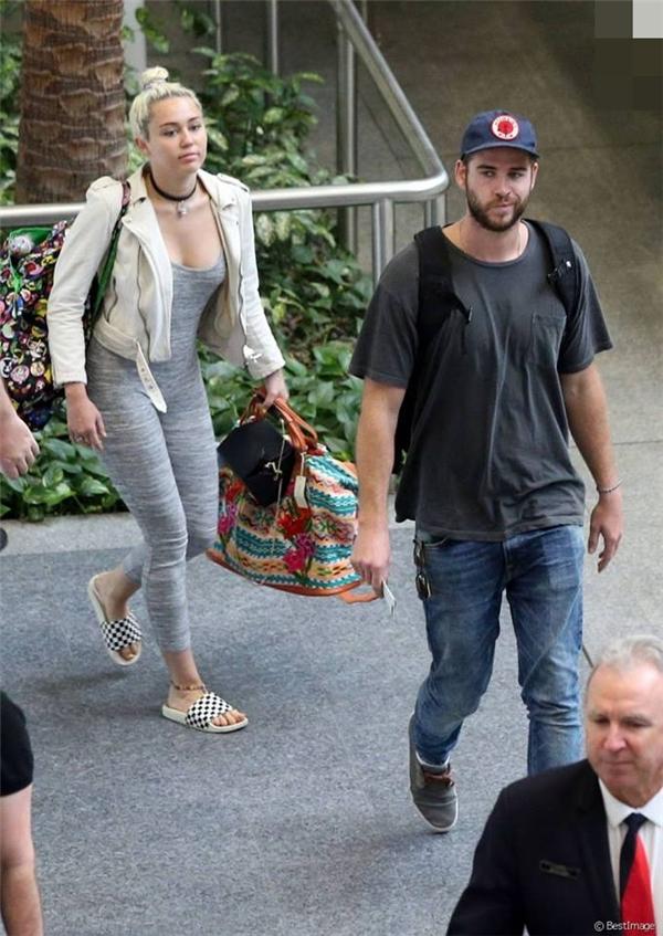 Rộ tin Miley Cyrus có thai với Liam Hemsworth trước khi kết hôn