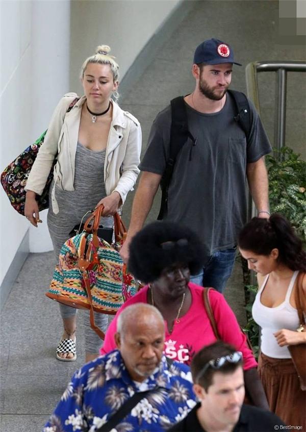 Dư luận đang rộ lên thông tin rằng Miley đã có thai được hai tháng.