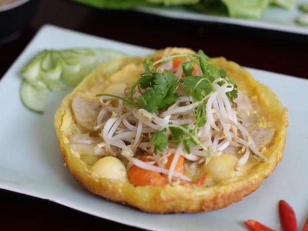 Bánh khoái là đặc sản nổi tiếng khắp miền Trung (Ảnh: Internet)