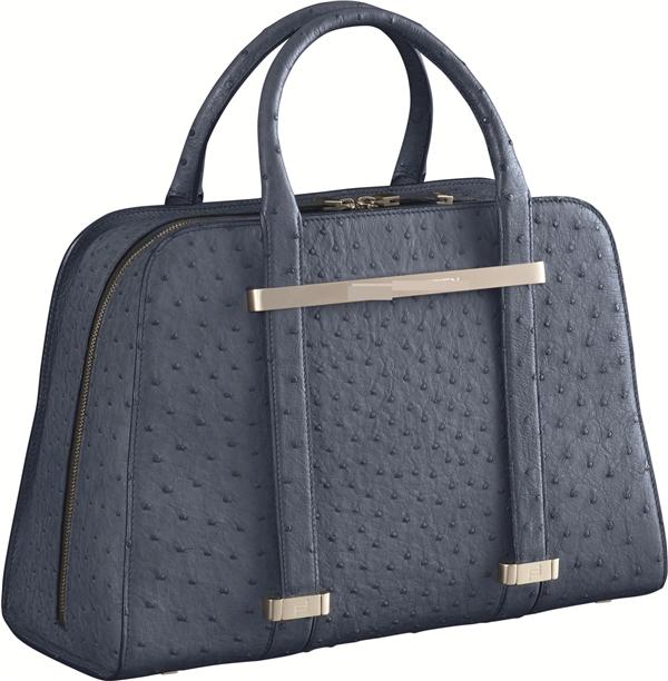 Túi xách đà điểu là một trong những món đồ mà các chị em phụ nữ rất thích. (Ảnh: Internet)