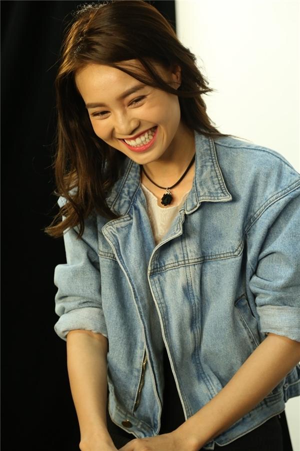 Lan Ngọc xuất hiện xinh đẹp và rạng rỡ tại chương trình Live On YAN News phát sóng 7/7 hôm qua. - Tin sao Viet - Tin tuc sao Viet - Scandal sao Viet - Tin tuc cua Sao - Tin cua Sao
