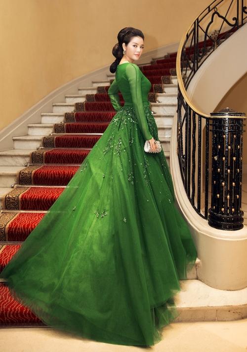 Lý Nhã Kỳ từngtham gia rất nhiều hoạt động không chỉ trong làng giải trí Việt mà còn cả thế giới như LHP Cannes, khách VIP trong Tuần lễ thời trang,… Cô cũng từng là Đại sứ du lịch của Việt Nam. - Tin sao Viet - Tin tuc sao Viet - Scandal sao Viet - Tin tuc cua Sao - Tin cua Sao