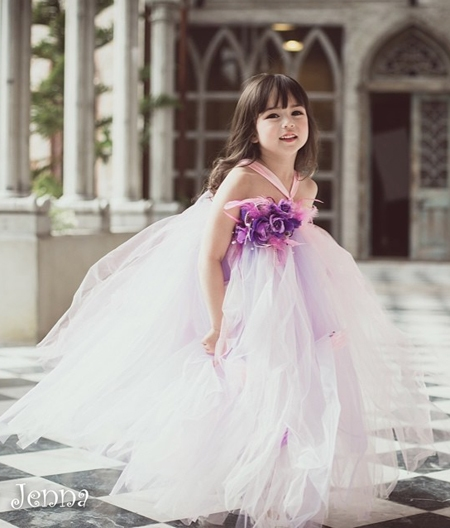 Thiên thần đáng yêu này sẽ khiến bạn muốn có con gái ngay lập tức