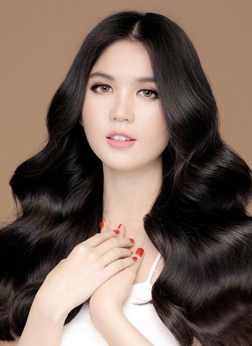 Mĩ nhân Việt dị dạng vì photoshop quá đà như Ngọc Trinh, Elly Trần