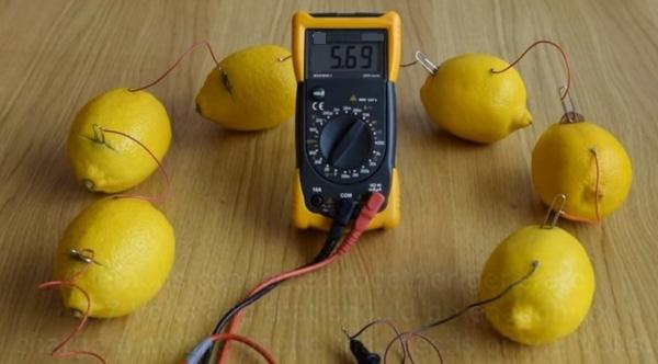 Bạn có thể tạo ra nguồn điện chỉ với một quả chanh.