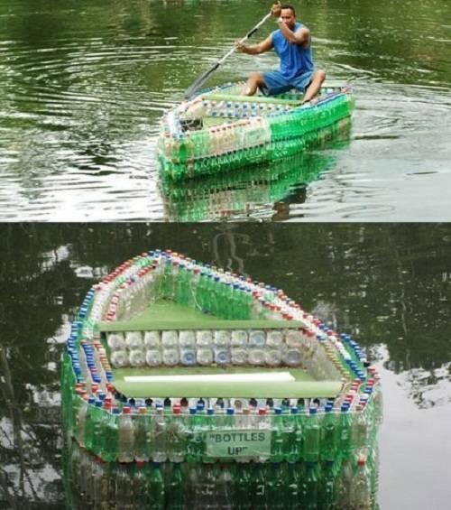 Thay vì vứt đi, bạn có thể tận dụng chai nhựa để làm thành một chiếc bè.