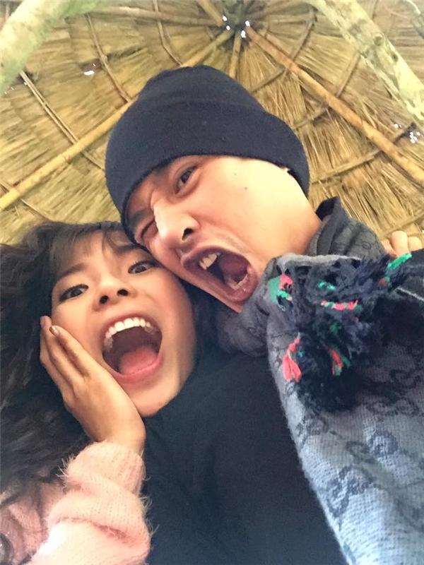 """Những hình ảnh hài hước của hai vợ chồng khiến tim các fan """"loạn nhịp"""". - Tin sao Viet - Tin tuc sao Viet - Scandal sao Viet - Tin tuc cua Sao - Tin cua Sao"""