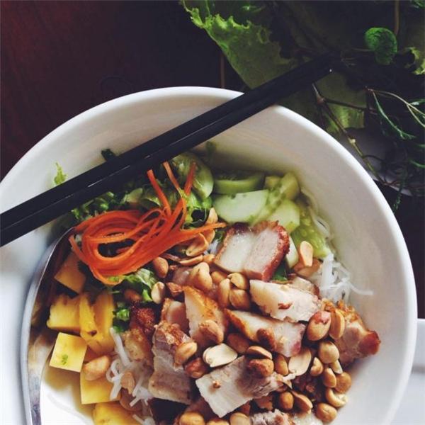 Ẩm thực Đà Nẵng - Bún mắm nêm Đà Nẵng vừa ăn vừa xuýt xoa
