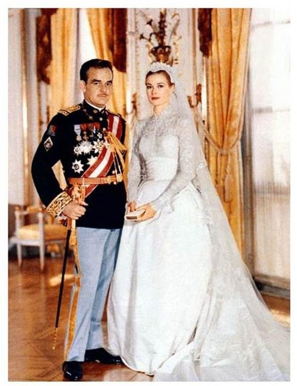 Ảnh cưới hoàng gia của Thái tử và Công nương Monaco.