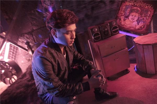 MV được quay trong 2 đêm liên tục và tất cả ekip đã phải thức trắngđể có được những cảnh quay ưng ý vì ban ngày, không thể quay được.