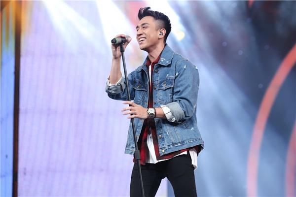 Sở hữu vẻ ngoài điển trai, Tùng Dương lựa chọn ca khúc This Love của nhóm Maroon 5 để mở màn cho phần thi của 6 bạn thí sinh nam. Tuy nhiên, do áp lực tâm lí nên anh chàng du học sinh ở Anh đã không thể hiện tốt. Bằng Kiềuđã nhận xét rằng Tùng Dương chỉ hát được 60% so với bình thường