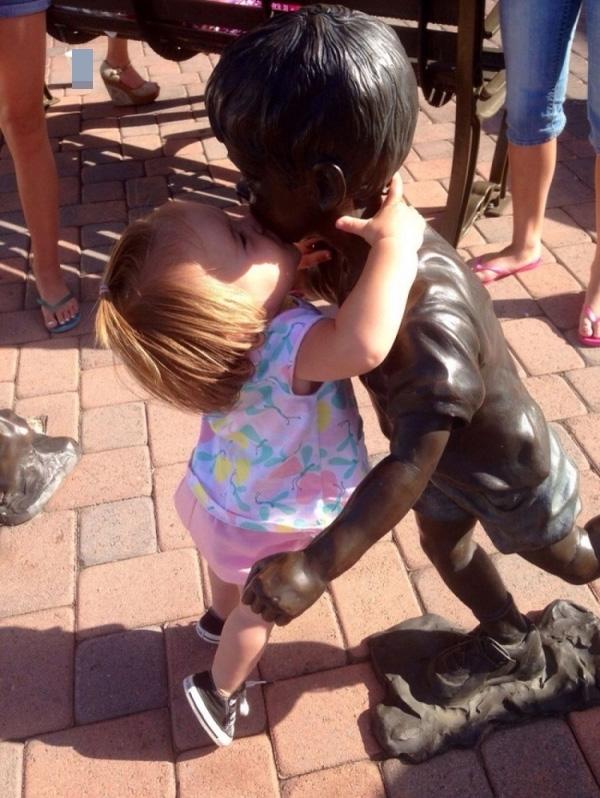 Nụ hôn ngọt lịm.