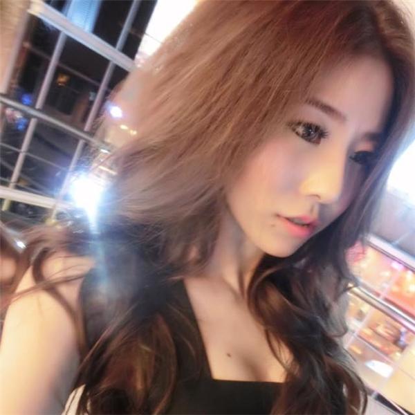 Prawpall Wilasinee là một trong những hot girl nổi tiếng trong cộng đồng mạng Thái Lan bởi vẻ ngoài xinh đẹp.
