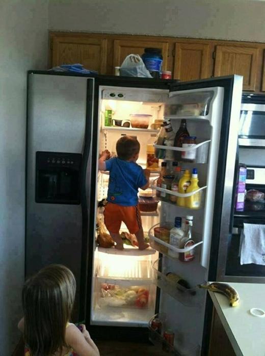 """""""Nhanh lên đi, mẹ về rồi kìa!"""""""