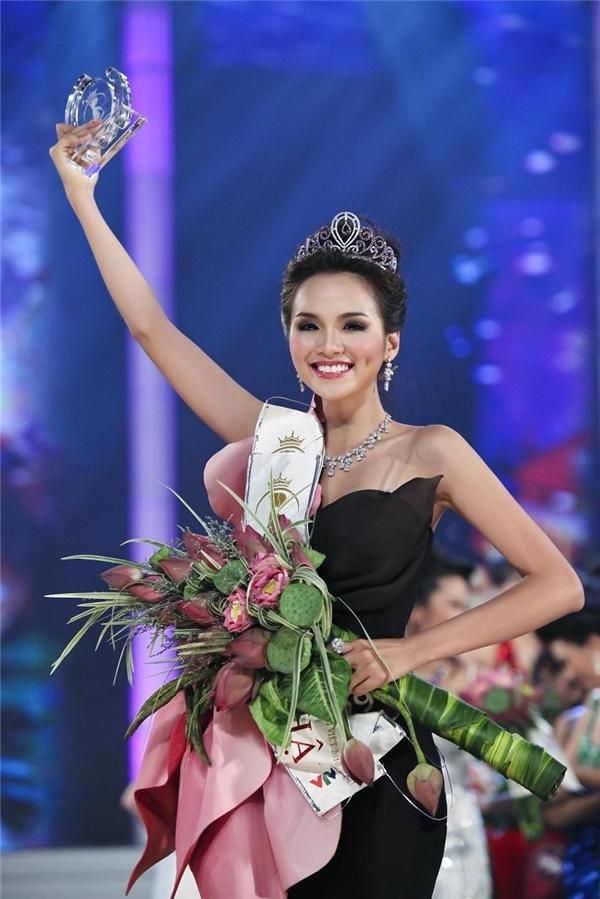Hoa hậu nào là người giữ vương miện lâu nhất tại Việt Nam?