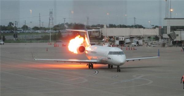 2. Nếu một máy bay bốc cháy, bạn có 90 giây để thoát hiểm: Thực tế cho thấy chỉ cần 90 giây cho một ngọn lửa có thể tiêu hủy máy bay và tất cả mọi người trong đó thông qua sự đốt cháy thân nhôm máy bay. Do đó, bạn chỉ có 90 giây để tự cứu mình khi gặp tại nạn máy bay.